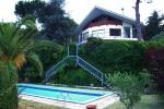 Вилла с видом на море, сад и бассейн