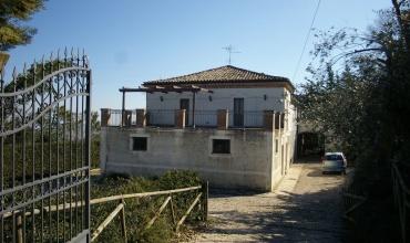 San Martino,Atri,4 Комнаты Комнаты,2 ВанныеВанные,Рустико,Contrada San Martinello 7,1429