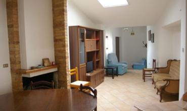 Atri,2 Комнаты Комнаты,3 ВанныеВанные,Дом,Vico Miglio 22,1454